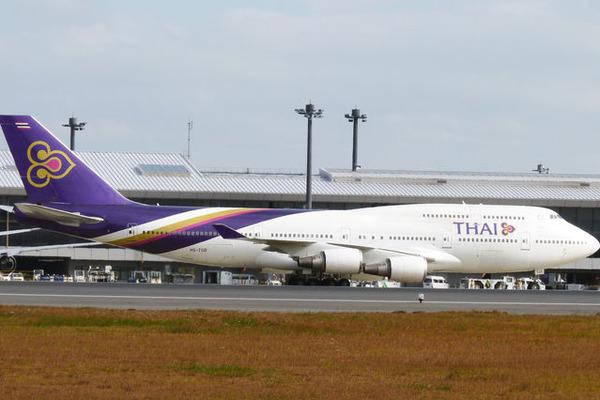 タイ国際航空、バンコク往復燃油別2.9万円の特別運賃 公式サイト限定で