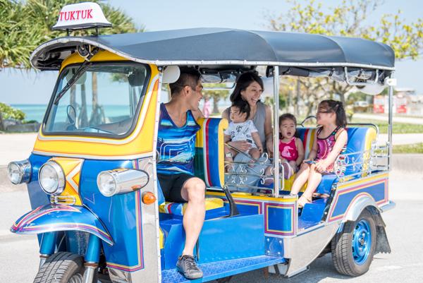 トゥクトゥクレンタカー沖縄
