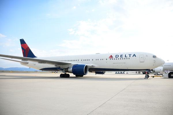 デルタ航空(ボーイング767-300型機)