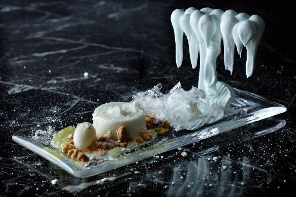 星野リゾート奥入瀬渓流ホテル、1日10食限定で「氷瀑スイーツ」を提供 12月20日から