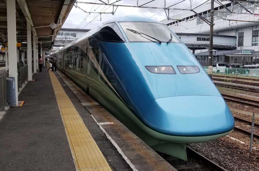 とれいゆつばさ 山形新幹線 E3系