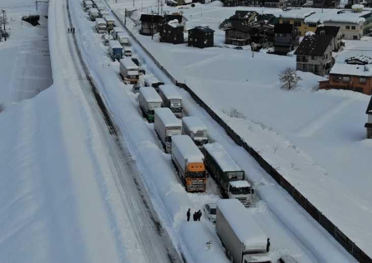 気象庁 関越自動車道の立ち往生発生状況