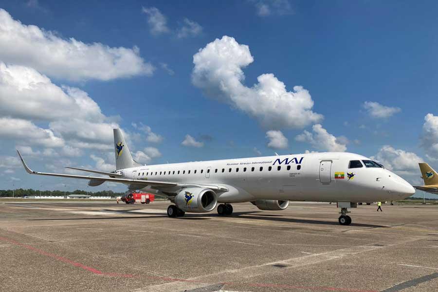 ミャンマー国際航空(エンブラエル190型機)