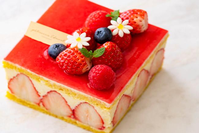 春の訪れを祝うホテルメイドのケーキ付き宿泊プラン