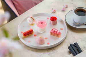 Sakura Strawberry Cake Set