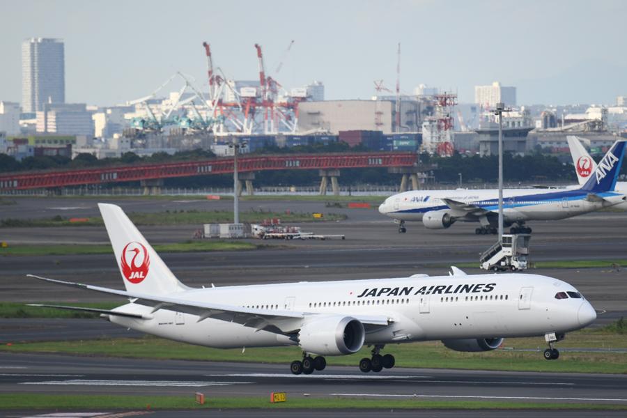 日本航空(ボーイング787-9型機、JA881J)