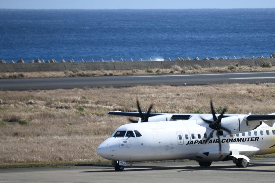 日本エアコミューター(ATR42-600型機)
